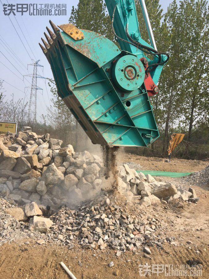 环保越来越严,移动破碎机也不让用了,我打算上挖机破碎斗了