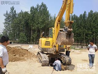 临工挖机换回转支撑(大盘) 有图、有文、有过程!