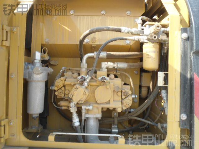 卡特彼勒 318D2L 二手挖掘机价格 70万 530小时
