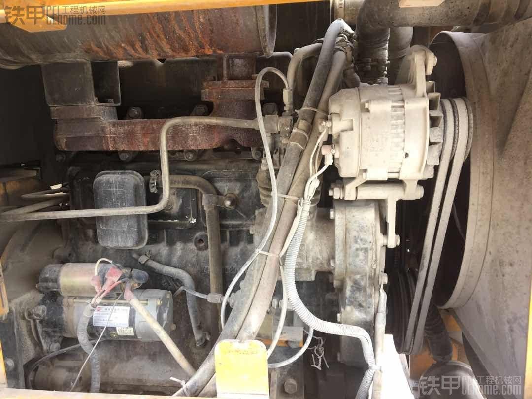 东方红4105发动机 机油加多了!