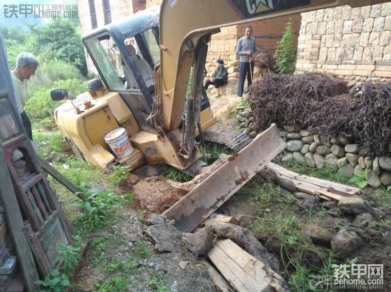 挖掘机学徒一年都干了些什么事