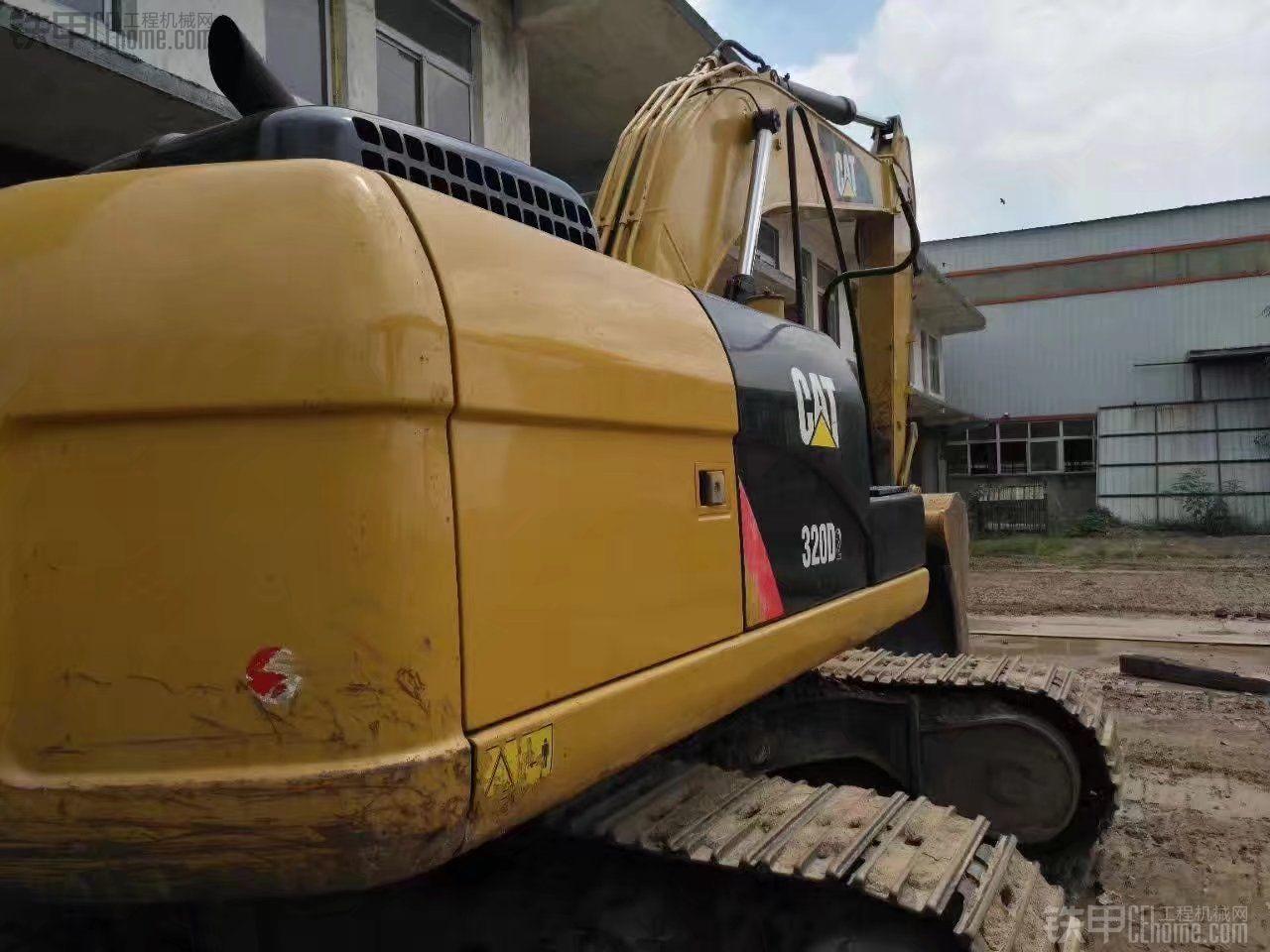 卡特彼勒 320D2 二手挖掘机价格 69万 7000小时