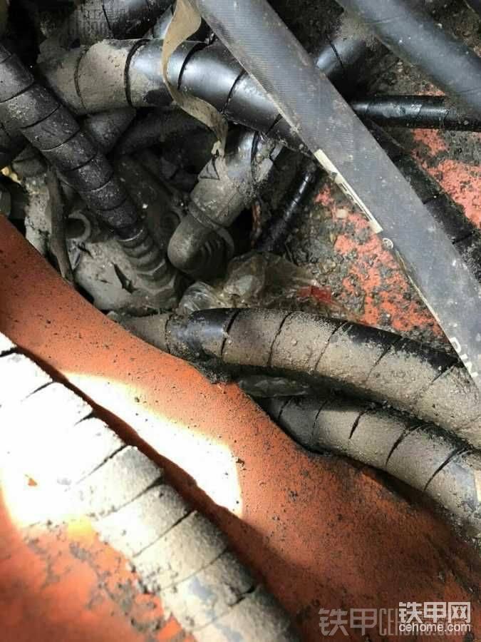 唉日立60挖機分油盅-帖子圖片