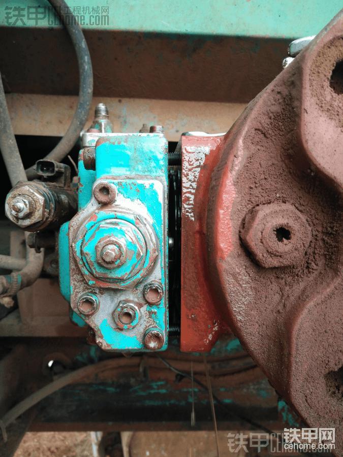 川崎液压泵换调节器油封图片