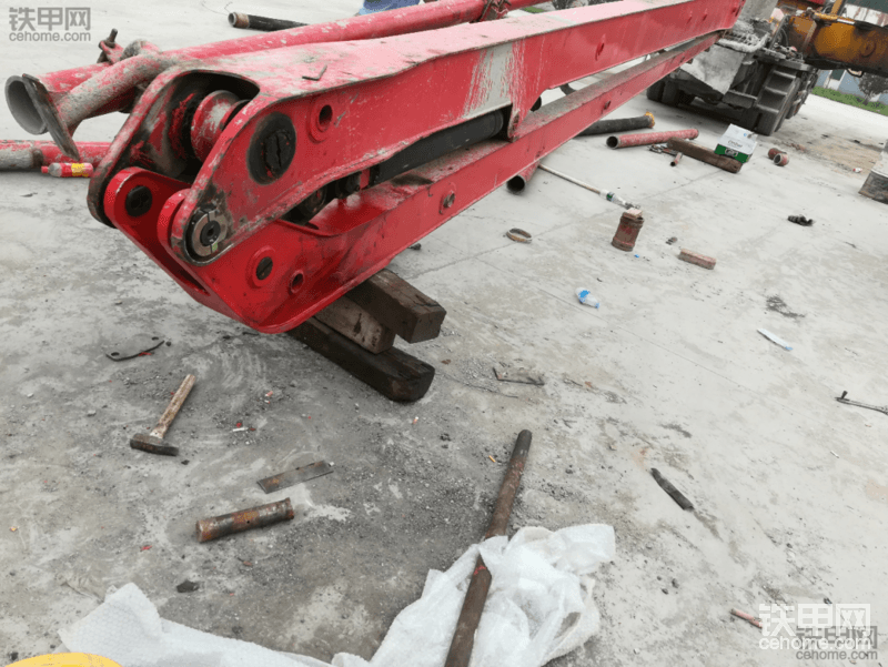 论泵车上装结构件维修