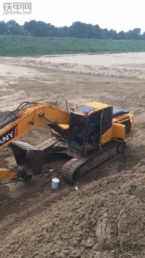 河南濮阳有二手挖掘机的吗?