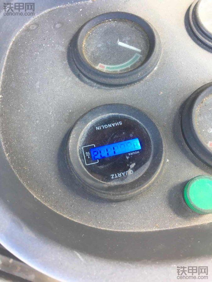大家帮忙鉴定,山工630,110小时看看是不是翻新车