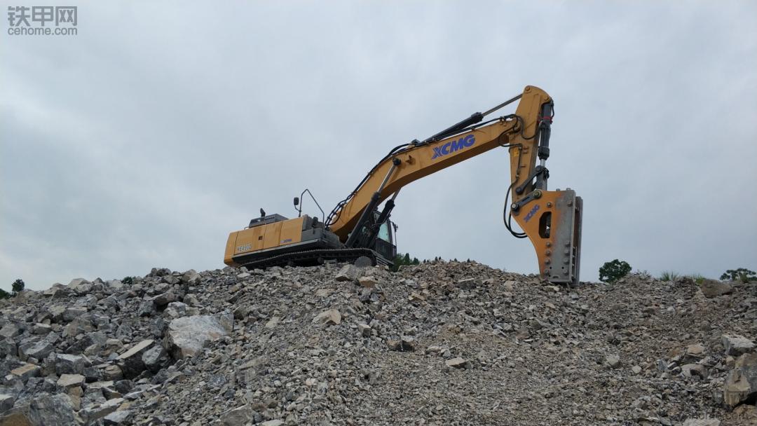 从外观到内心,说说徐工新款215D挖掘机大变化!