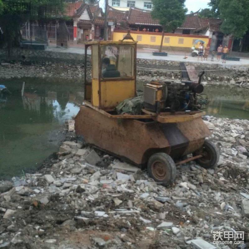 自己制作的船式挖掘机