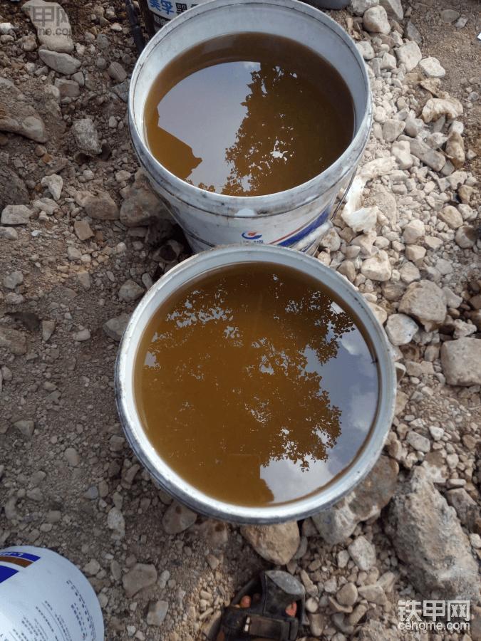 久保田挖机液压油进水图片