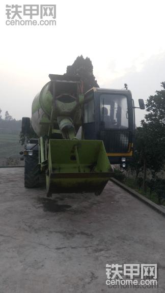 自上料混泥土机器