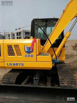 龙工LG6075挖掘机使用800小时报告