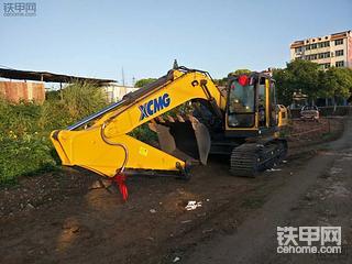 D系列改善了好多 徐工215D挖掘机使用体会