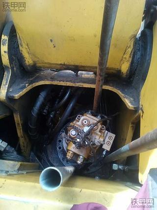 卡特308B旋转减速箱维修保养