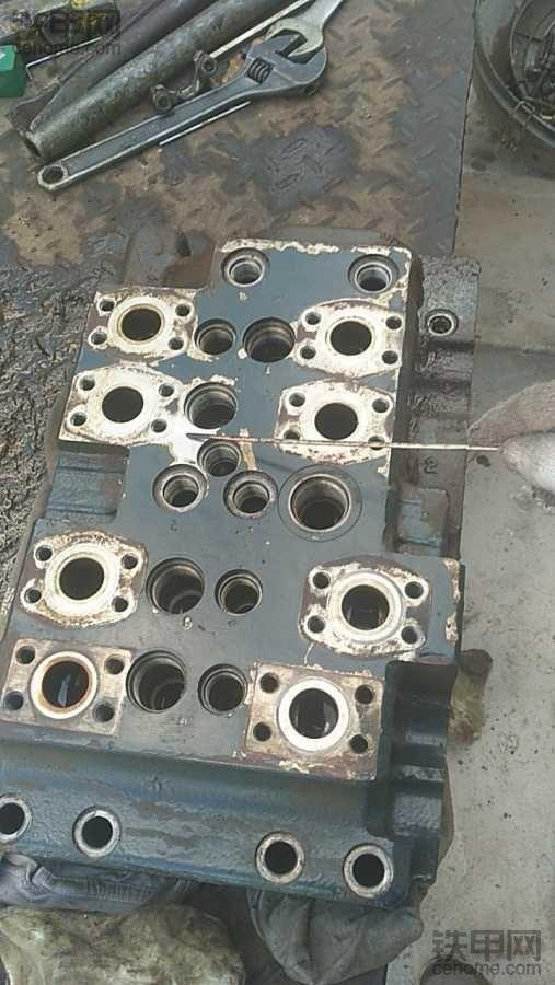 求购现代305-9T分配器壳体