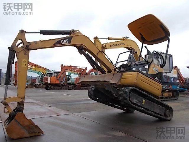 卡特彼勒 301.5CCR 二手挖掘机价格 12.5万 2200小时