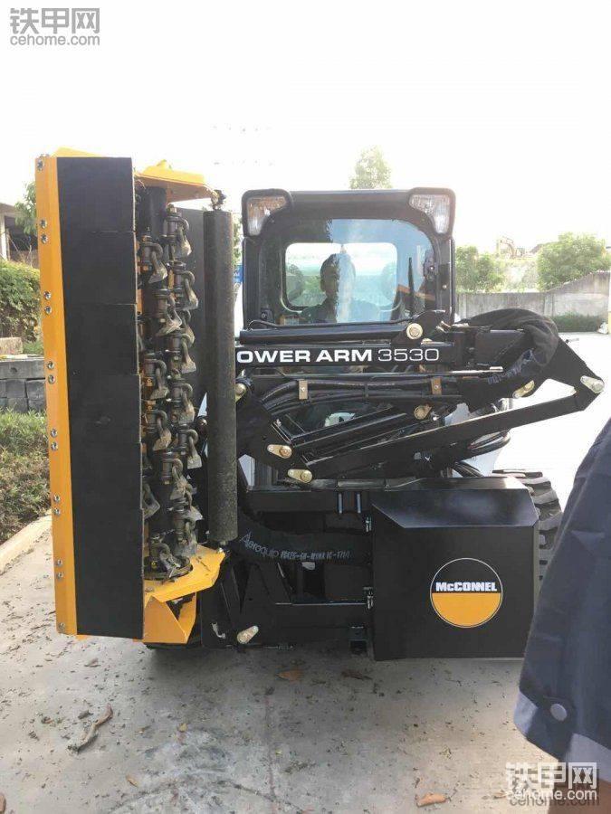 滑移装载机专用绿篱机