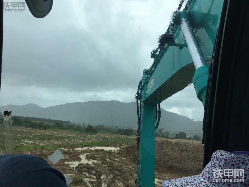 差点被同去深圳的修理工坑了! 怒提神钢200-12挖掘机经历!