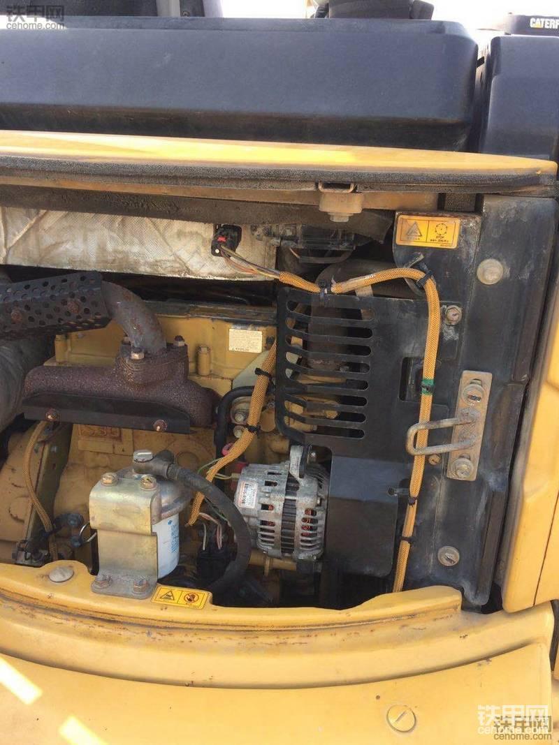 卡特彼勒 303CCR 二手挖掘机价格 15.5万 3600小时