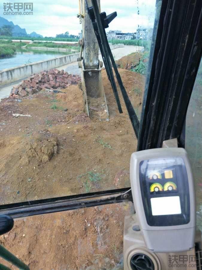 龙州污水厂……机王320c(小斗挖沟)