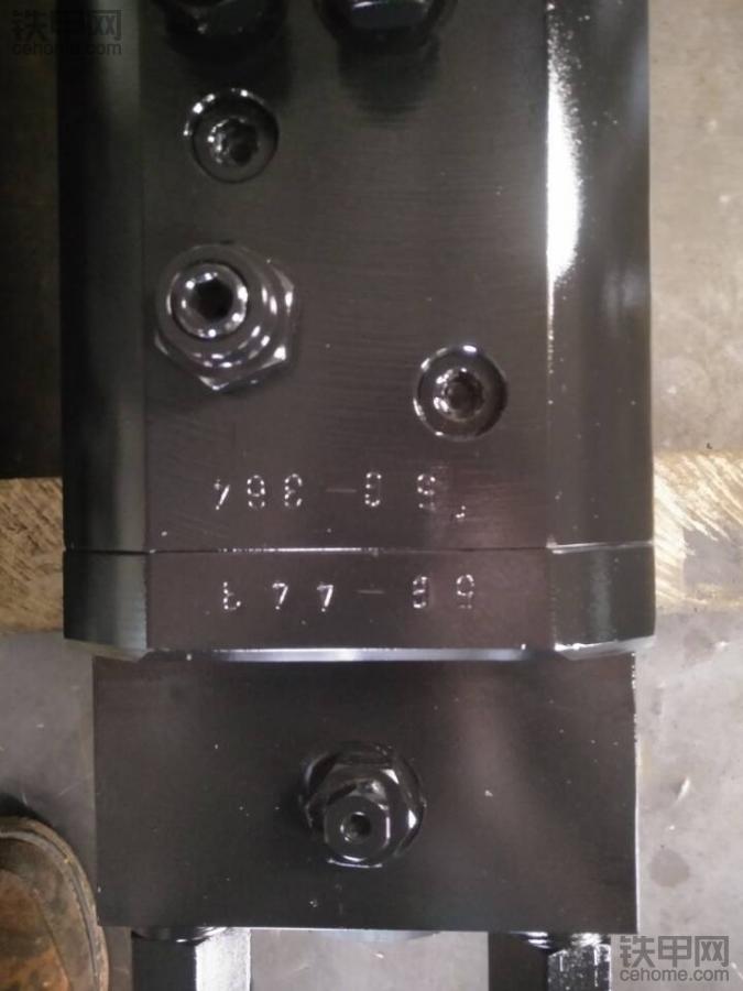 这70破碎锤机芯是进口的吗?