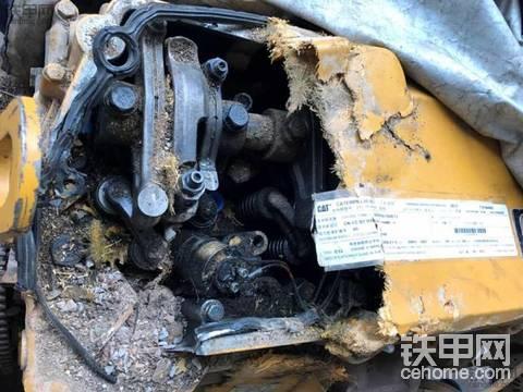 可怜的CAT349D2准新机毁容了谁会修