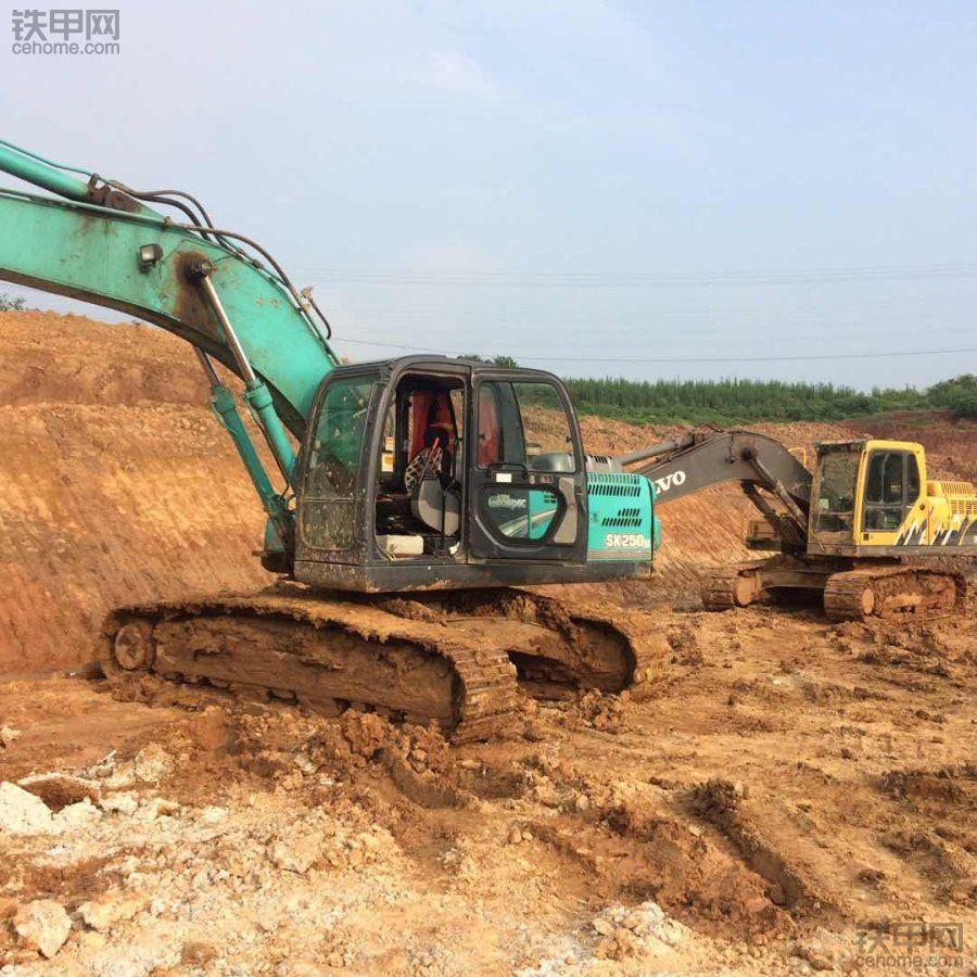 开挖机十年  从打工变老板