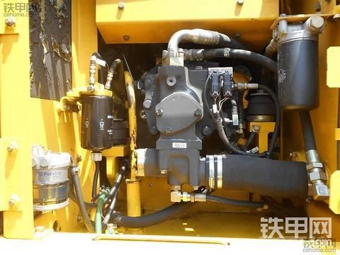 小松Pw130ES-6K轮挖