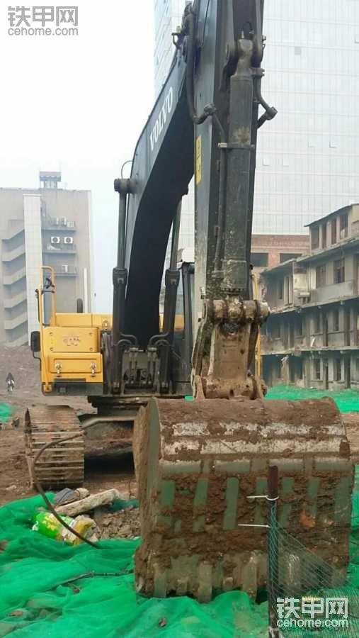 """【""""沃""""心依旧】沃尔沃EC250BLC之城市建设"""