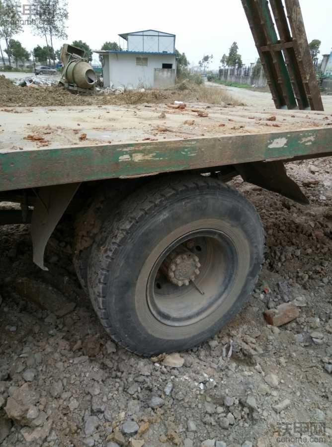 各位看看这拖车多少钱能入手?