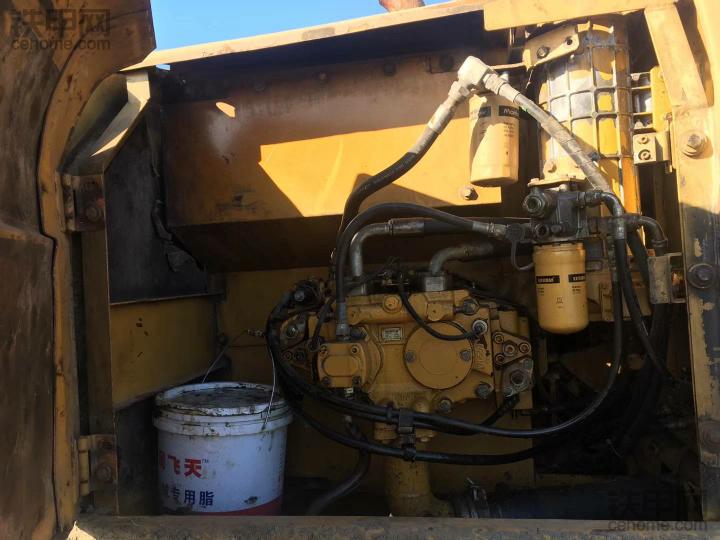 经典耐用的卡特320C挖掘机,16000小时,想给卡特点个赞!