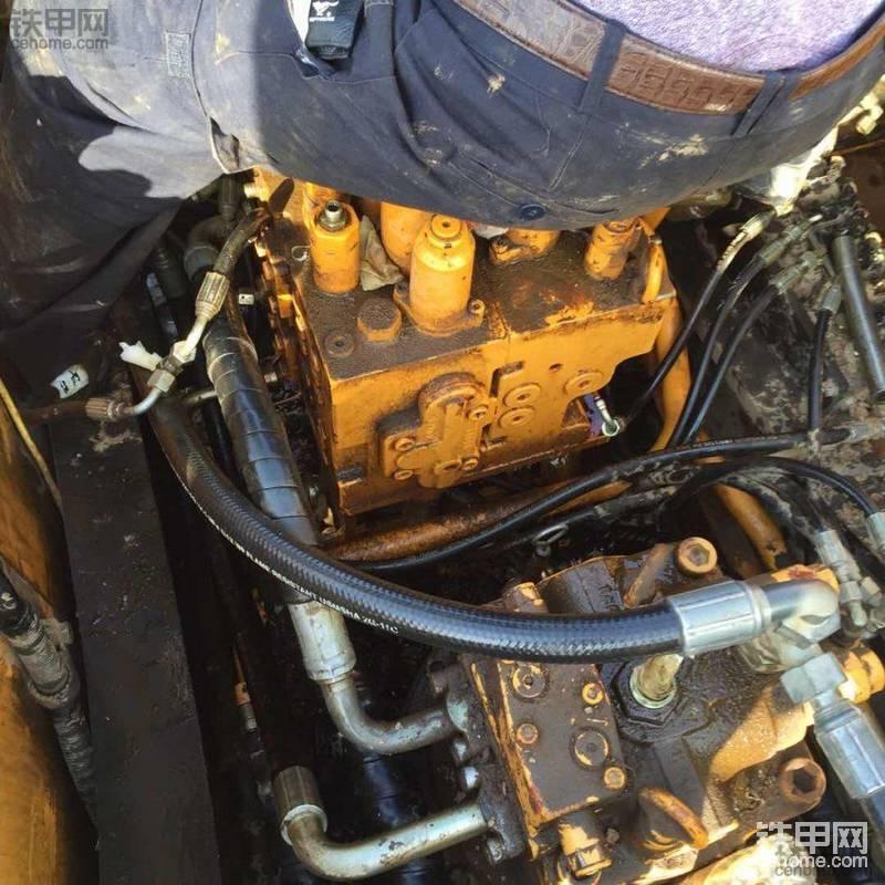 【维修往事】三一挖机更换分配阀油封