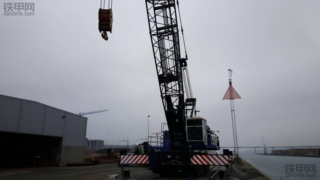 荷兰鹿特丹港口的森尼波根6180
