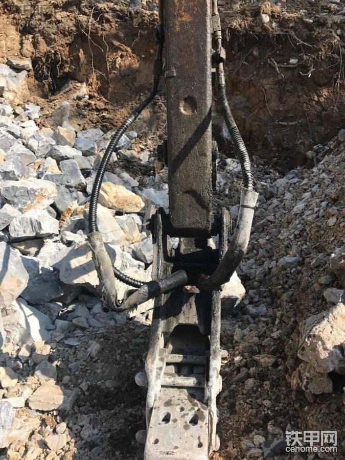 【维修往事】铁甲与挖机维修师傅共同线上解决的机械故障