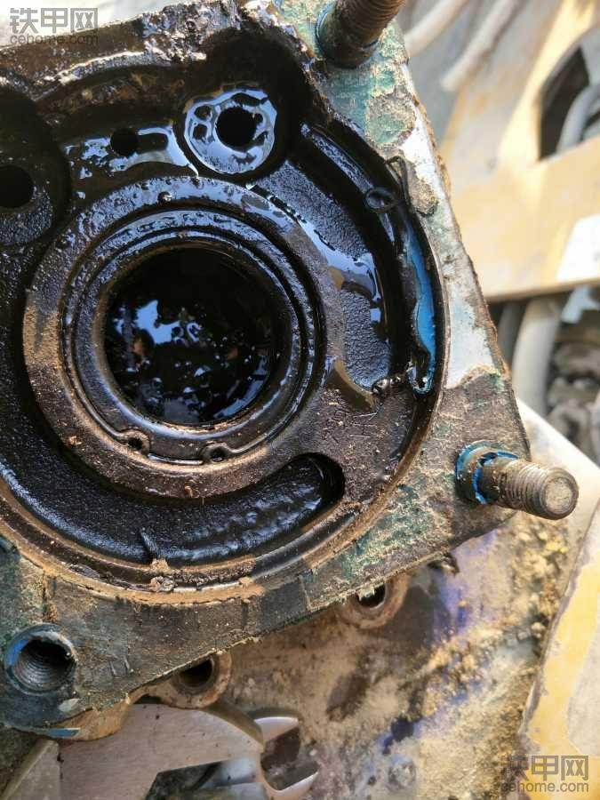龙工50EX换变速泵