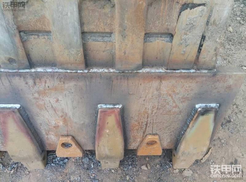 挖掘機維修,焊接-帖子圖片