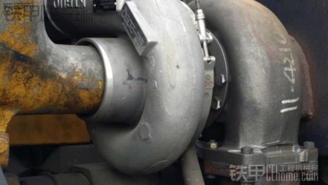 小松SD170发动机、原厂件大修、用小松D375推土机