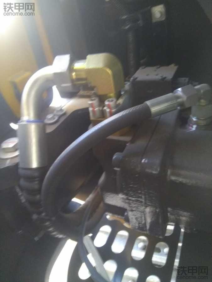 甲友有用柳工906D挖机的吗?