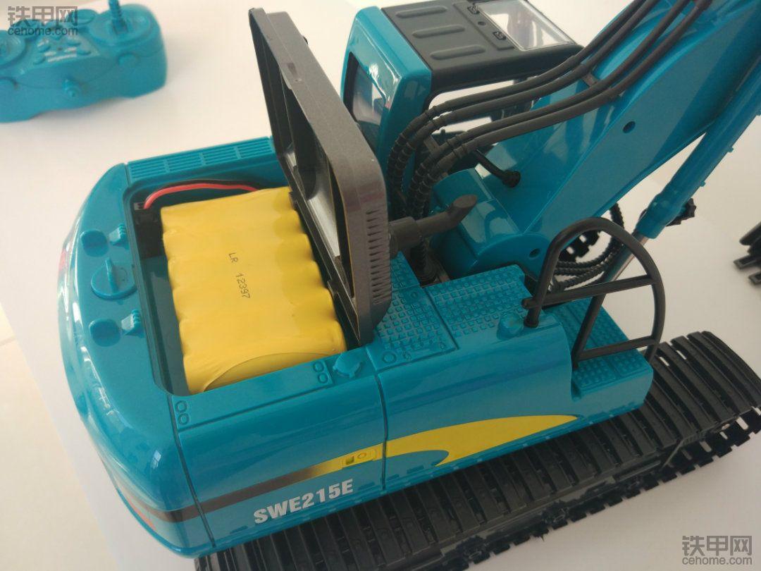 找童年 山河智能SWE215E遥控挖掘机高清实拍图!