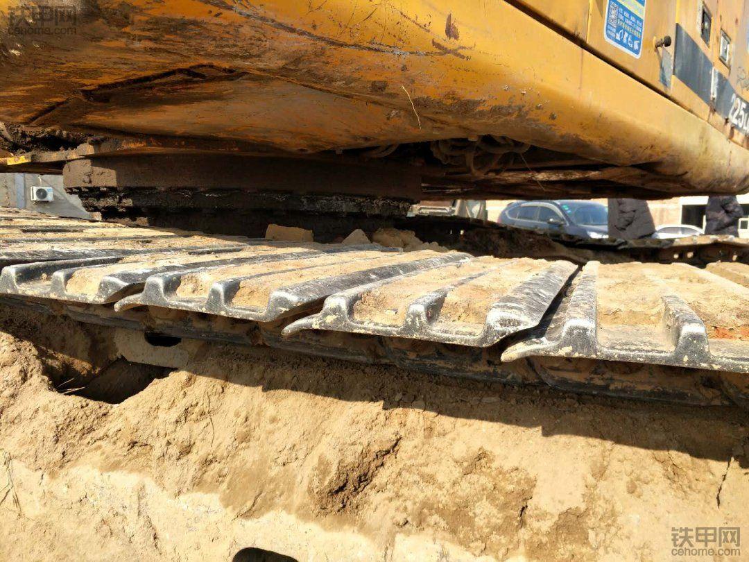 现代 R215-7C 二手挖掘机价格 20.5万 8888小时
