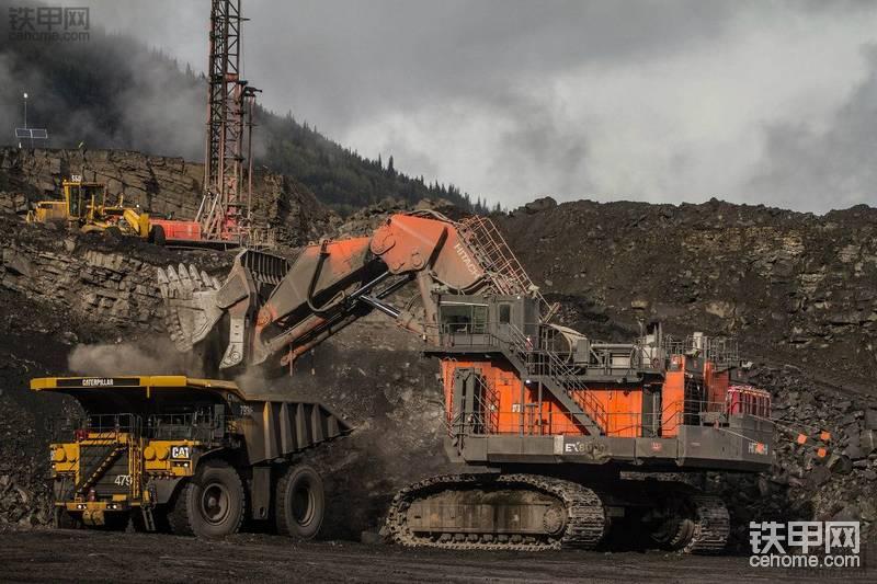 加拿大Brule煤矿的日立EX8000-6液压铲