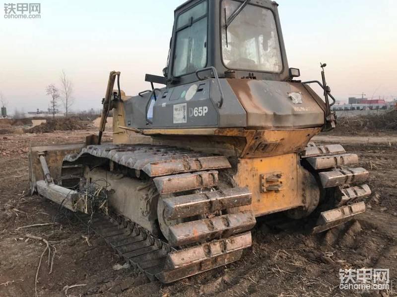 小松D65P-12