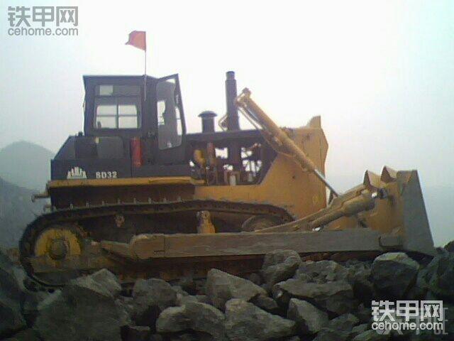 山推SD32推土机在铁矿的峥嵘岁月