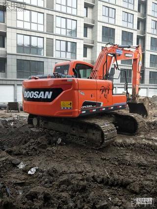 我的斗山DX150-9c挖机2100小时,刚做过大保健