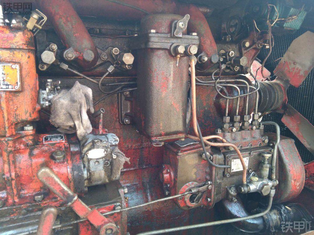 经典第一代拖拉机-东方红54