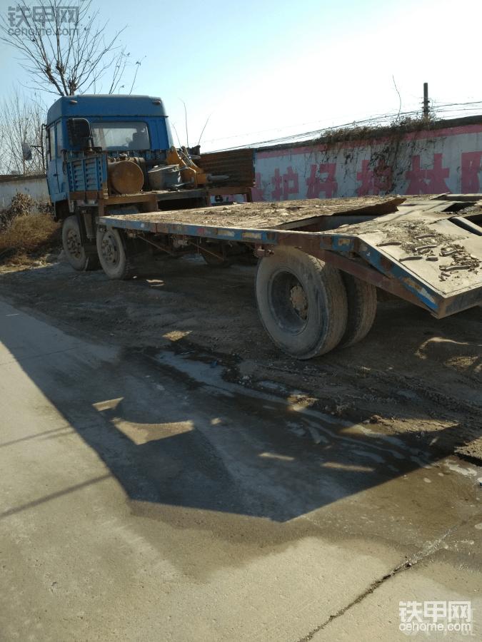 拉8吨挖机拖车