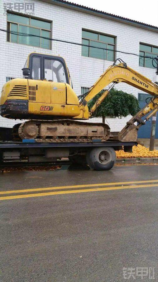 【我的好伙伴】八万的破挖机两年赚回两台新挖机和一辆SUV
