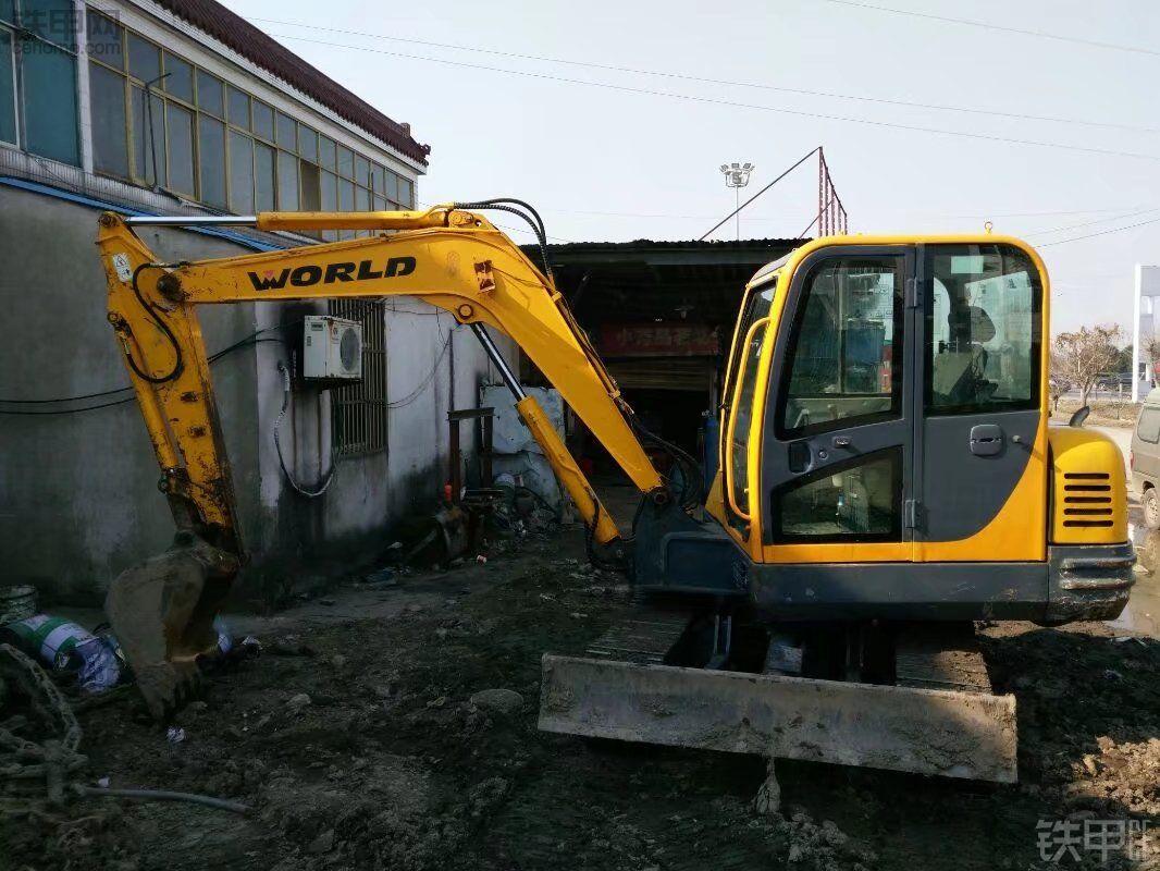 沃得重工 W265-8 二手挖掘机价格 14.5万 7000小时