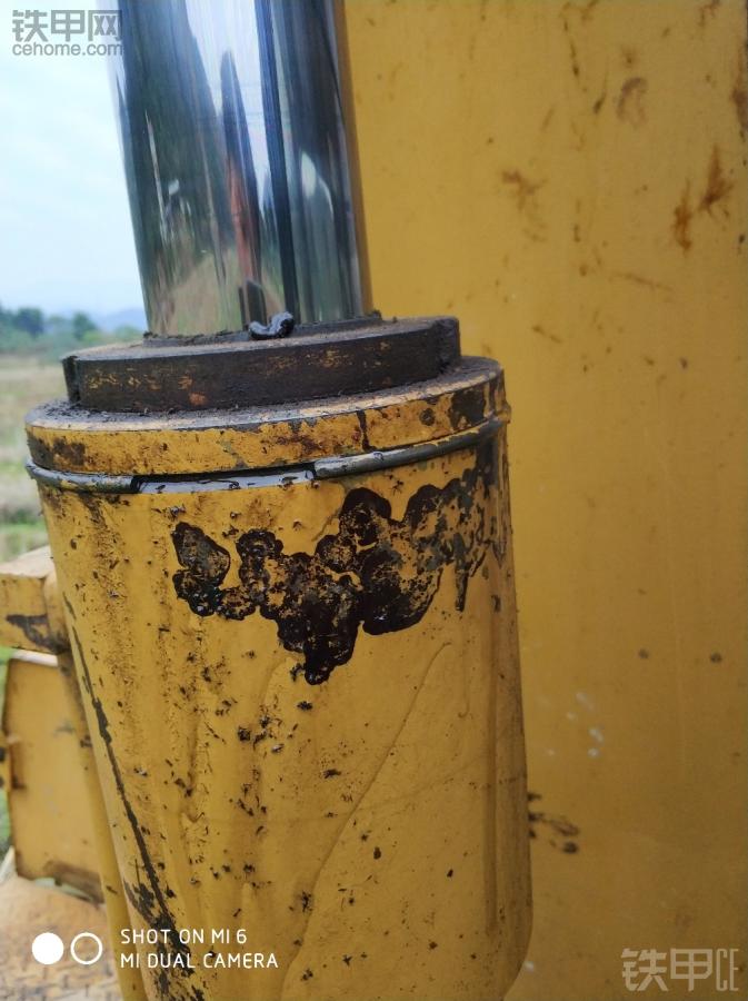 卡特70机这里漏油有什么办法