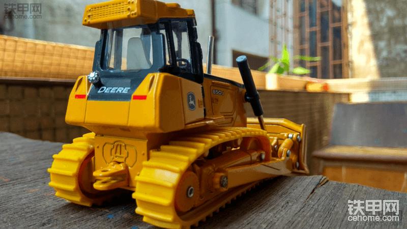 机械小白模型梦(1)辣你眼睛的利勃海尔R936挖掘机+L586装载机模型实拍(多图多涂装)